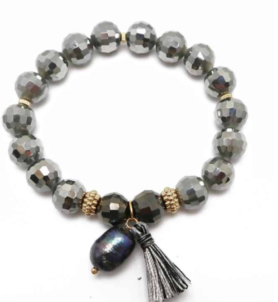 Stretch Bracelet with Freshwater Pearl and Tassel Grey